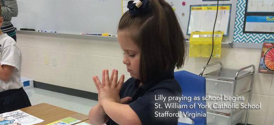 Lily_praying